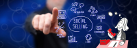 Fotolia #225831581 – Man touching a social selling concept – © thodonal plus Illustration ©Claudia Fischer von Sead Mujic
